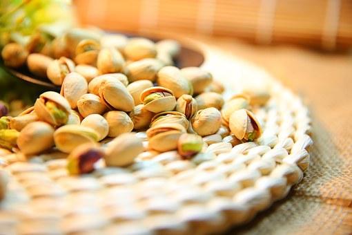 pistachio-1098173__340